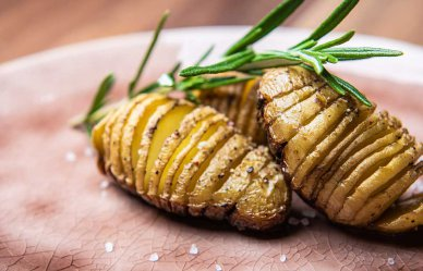 Barbecue-recept: mini Hasselback potatoes